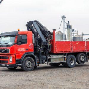 Camión rígido 3 ejes con grúa autocargante PALFINGER 44002 con JIB-1